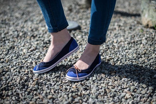 Trampki, baleriny czy mokasyny? Jakie buty damskie nosić wiosną?