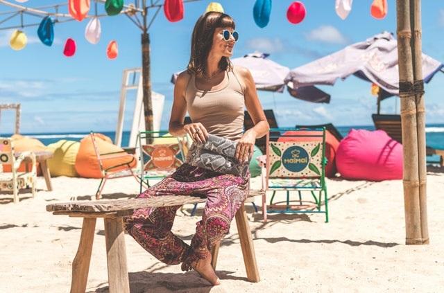 7 kolorowych torebek, które sprawdzą się latem na plaży i w mieście