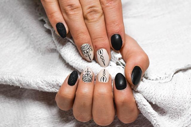 Jak dbać o paznokcie? Sposoby a zadbane i piękne paznokcie